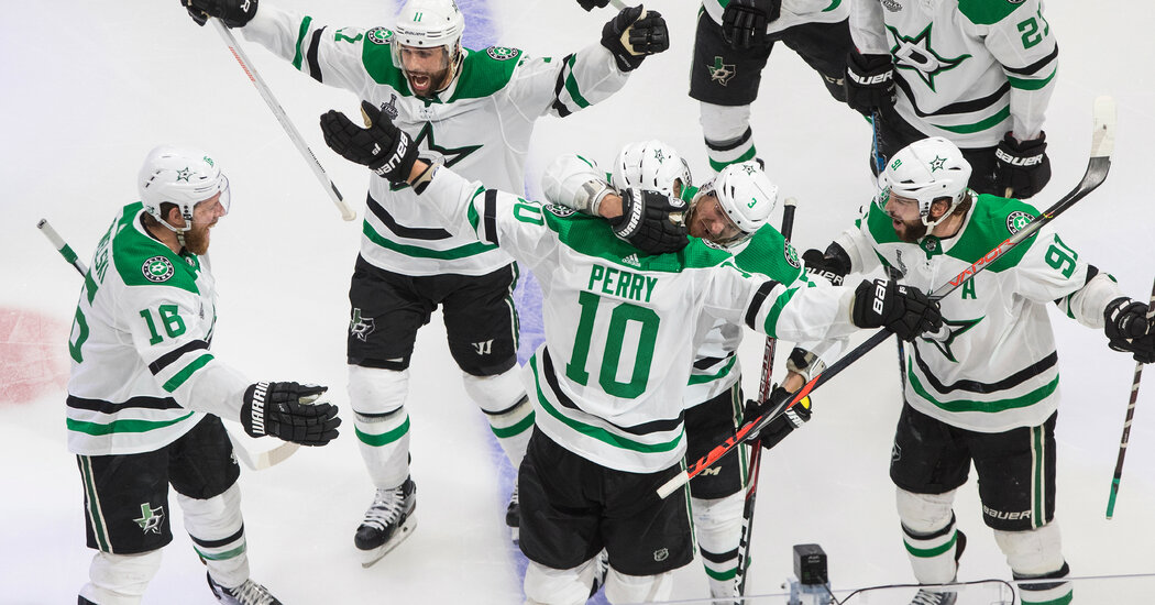 Stars Beat Lightning in Double Overtime to Force Game 6